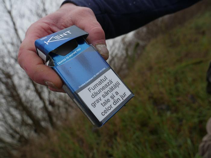 un-pacchetto-di-sigarette-come-firma