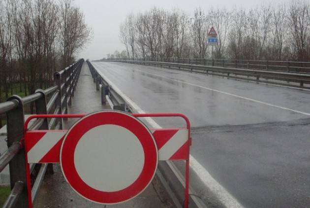 risanamento del ponte tra San Daniele e Roccabianca