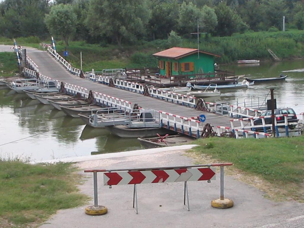 Ponte di Barche torre d'oglio fonte wikipedia