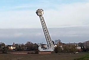 il crollo della torre dell'acquedotto