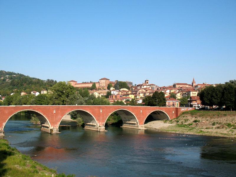 ponte dei cavalieri templari a moncalieri